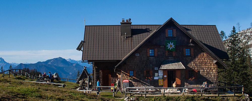 Die Ybbstalerhütte mit Panoramablick ins Gesäuse