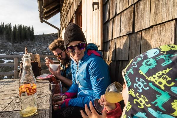 Die Sonne genießen auf der Ybbstalerhütte